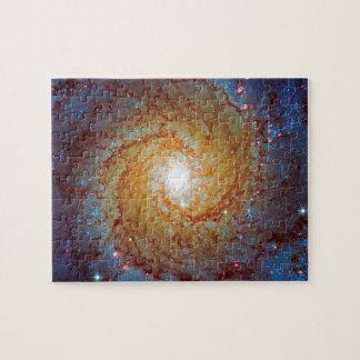 Unordentlicheres Weltraum-Foto der gewundenen Puzzle