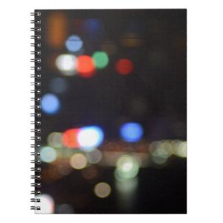 Unscharfe Nachtlichter von Hong Kong Spiral Notizblock