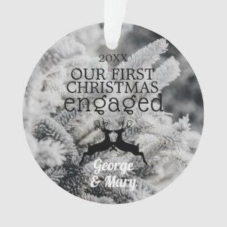 Unsere erstes Weihnachtsverlobte Foto-an Rückseite Ornament