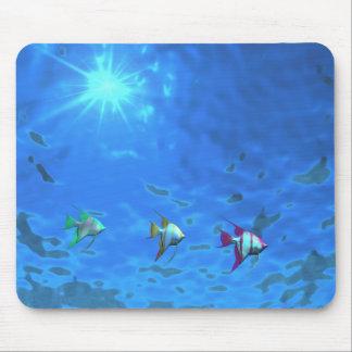 Unter den Seetropischen Fischen Mauspad
