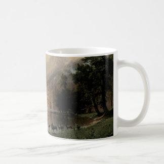 Unter der Sierra Nevada-Berge Kaffeetasse