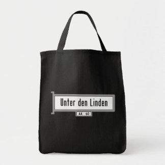 Unter Höhle Linden, Berlin-Straßenschild Einkaufstasche