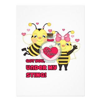 Unter meinen lustigen Valentinsgruß-Bienen Stings Personalisierte Ankündigungen