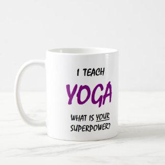 Unterrichten Sie Yoga Tasse