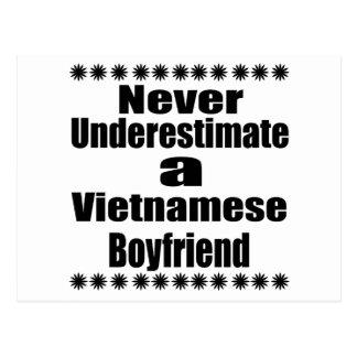 Unterschätzen Sie nie einen vietnamesischen Freund Postkarte