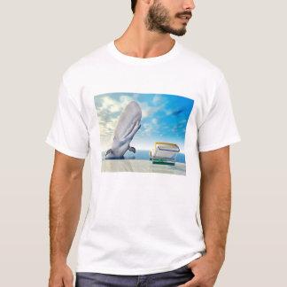 Urlaubsimpression mit Liegestuhl und weißem Wal T-Shirt