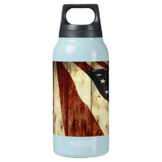 Ursprüngliche hölzerne Korn Americanaamerikanische Isolierte Flasche