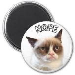 """Ursprüngliche mürrische Katzen-runder Magnet """"NOPE Magnets"""
