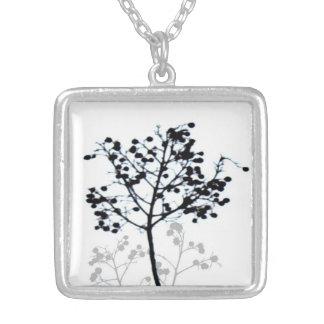 ursprüngliche Naturschwarzweiss-kunst der Halskette Mit Quadratischem Anhänger