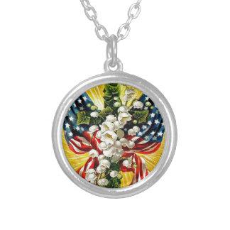 US-Flaggen-christliche Kreuz-Tauben-Lilie des Versilberte Kette