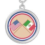 US und Mexiko gekreuzte Flaggen Schmuck