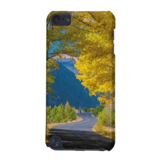 USA, Colorado. Straße angegrenzt durch Espen iPod Touch 5G Hülle