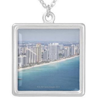 USA, Florida, Miami, Stadtbild mit Strand 2 Versilberte Kette