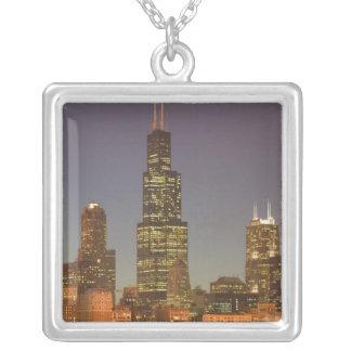 USA, Illinois, Chicago: Stadt-Skyline/Abend Versilberte Kette