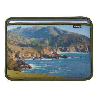 USA, Kalifornien. Panorama von großem Sur mit Sleeve Fürs MacBook Air