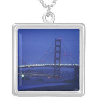 USA, Kalifornien, San Francisco. Golden Gate 2 Versilberte Kette