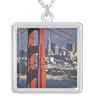 USA, Kalifornien, San Francisco. Luftaufnahme von Versilberte Kette