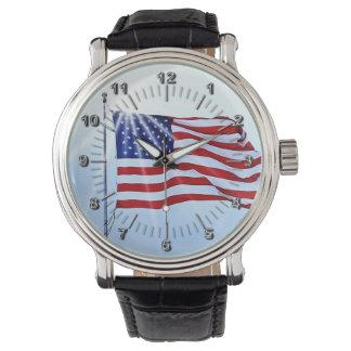 USA kennzeichnet im Wind Uhr