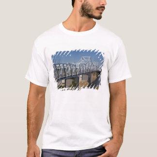 USA, Mississippi, Vicksburg. Landstraße I-20 T-Shirt