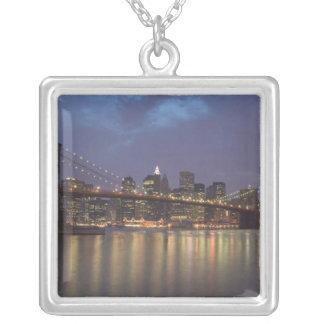 USA, New York, New York City, Manhattan: 14 Versilberte Kette