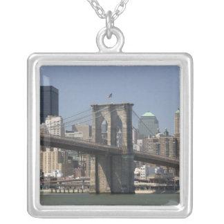 USA, New York, New York City, Manhattan: 21 Versilberte Kette