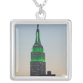 USA, New York, New York City, Manhattan: 2 Versilberte Kette