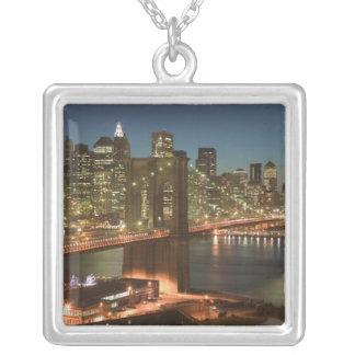 USA, New York, New York City, Manhattan: Versilberte Kette