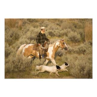 USA, Oregon, Seneca, Ponderosa Ranch. Ein Cowboy Fotografische Drucke