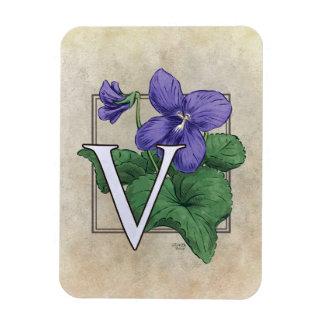 V für violettes Blumen-Monogramm Magnet