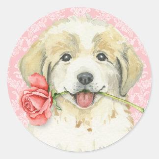 Valentine-Rose große Pyrenäen Runder Aufkleber