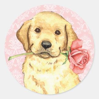 Valentine-Rosen-gelber Labrador Runder Aufkleber