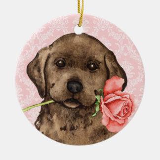 Valentine-Rosen-Schokoladen-Labrador Rundes Keramik Ornament