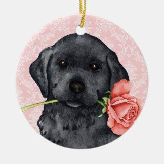 Valentine-Rosen-Schwarz-Labrador Rundes Keramik Ornament
