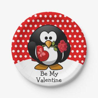 ValentinePenguin mit Schokolade und Rosen-Geschenk Pappteller