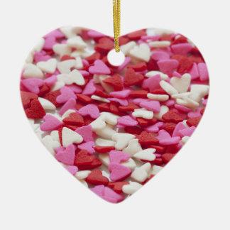 Valentinsgruß-Herzen im rosa weißen und roten Keramik Ornament