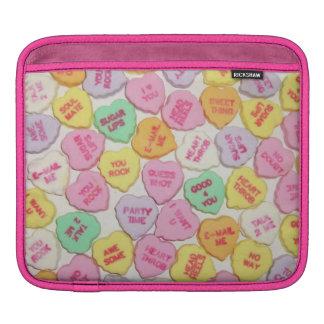 Valentinsgruß-Süßigkeits-Herzen iPad Sleeve