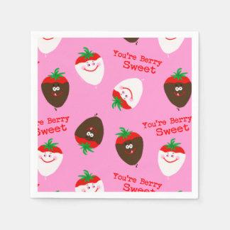 Valentinstag-Schokolade tauchte Erdbeeren ein Papierservietten