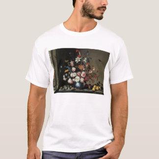 Vase Blumen durch ein Fenster, Balthasar van Der T-Shirt