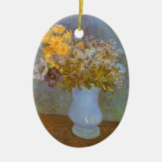 Vase mit Fliedern und Gänseblümchen durch Vincent Keramik Ornament