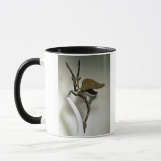 Vasengriff in Form eines winged Steinbocks, Tasse