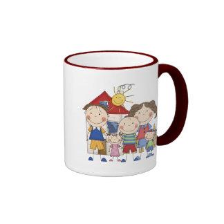 Vati, Mamma, großer Junge, MED-Mädchen, kleine Jun Kaffee Haferl