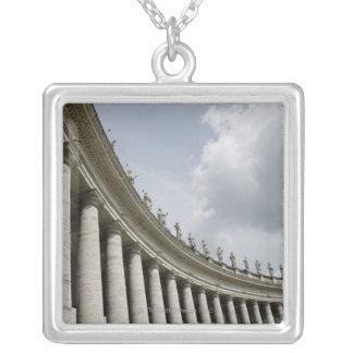 Vatikanstadt ist ein Stadtstaat, den in kam Versilberte Kette