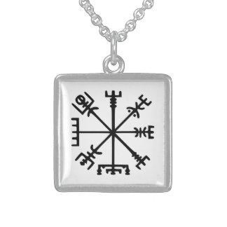 Vegvísir (Viking-Kompass) Halskette Mit Quadratischem Anhänger