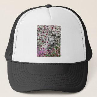 Veilchen in den Blumen - weißer Westie Hund Truckerkappe