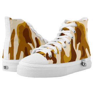 Vektorbrown-Tarnungs-Muster Hoch-geschnittene Sneaker
