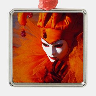 Venedig, Italien (IT) - orange Karnevals-Kostüm Silbernes Ornament