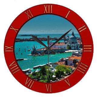 Venedig, Italien - Luftaufnahme Große Wanduhr