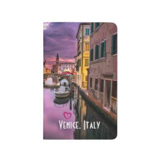 Venedig, landschaftlicher Kanal Italiens u. Taschennotizbuch