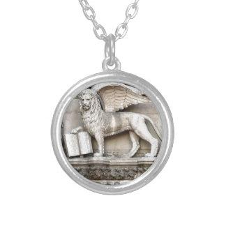 Venezianischer Löwe Halskette Mit Rundem Anhänger