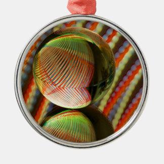 Veränderung auf einem Thema 2 Silbernes Ornament